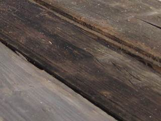 gray / weathered planks